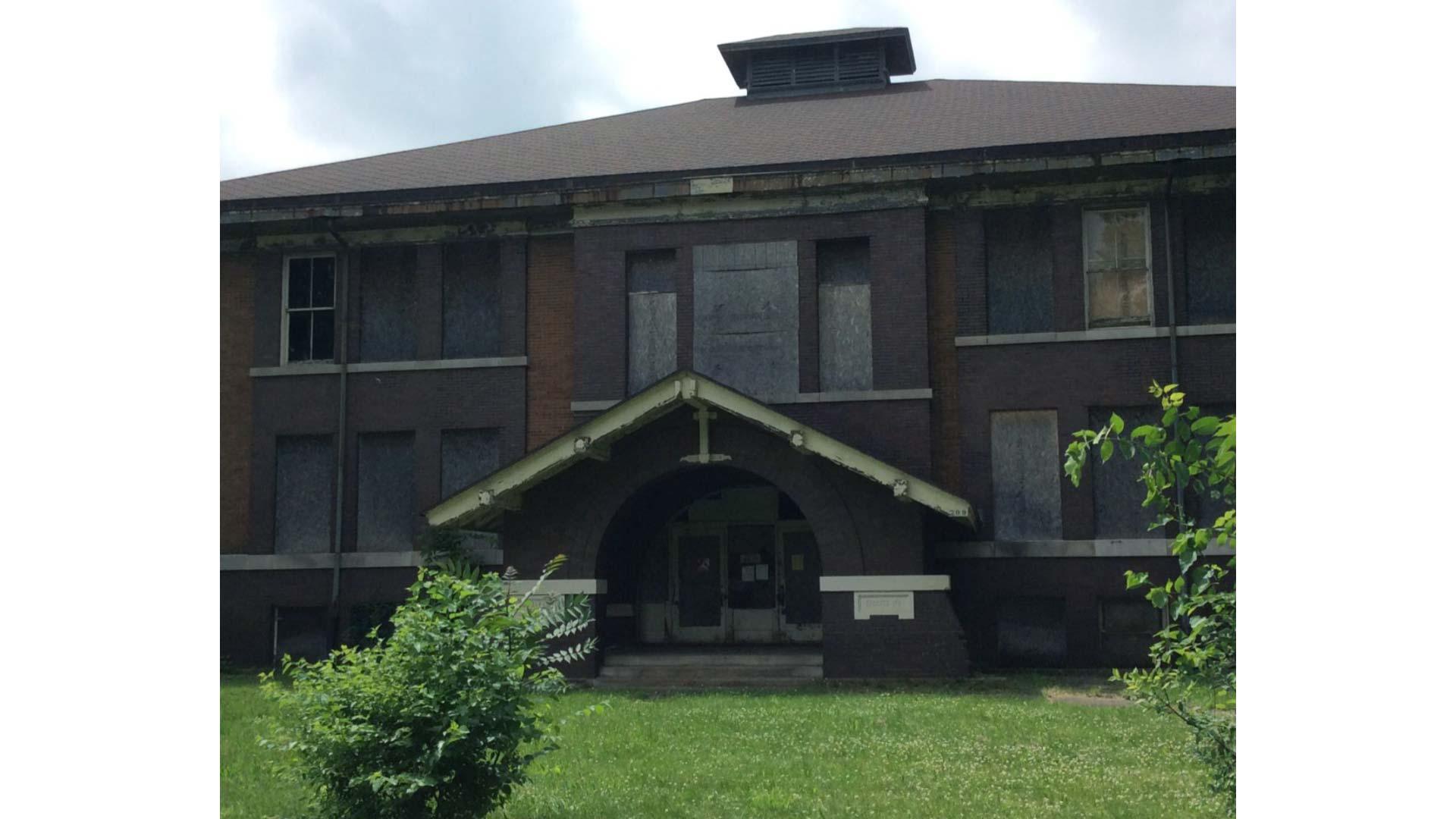 Austin School, 709 N. Clinton St., Albion